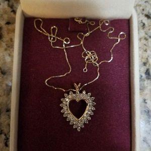 Jewelry - 14k gold heart diamond necklace